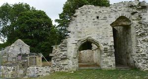 © Centre départemental d'archéologie du Finistère (CD29). - Vue de la façade du bâtiment Est de l'Abbaye du Relec.