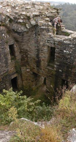© CD29 - B. Galeron - Tour du Château Roc'h Morvan à La Roche Maurice.